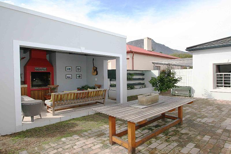 Property For Sale in Franschhoek, Franschhoek 12