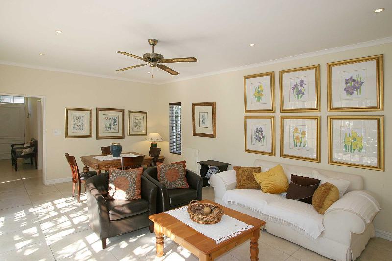 Property For Sale in Franschhoek, Franschhoek 2