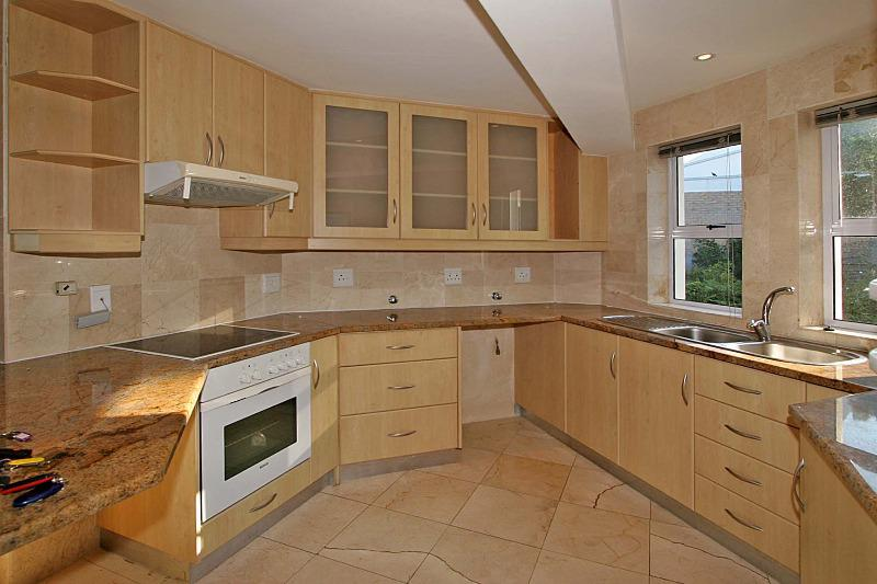 Property For Rent in Tamboerskloof, Cape Town 11