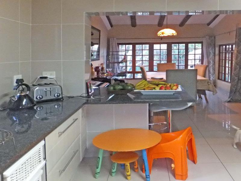 Property For Sale in Paulshof, Sandton 5