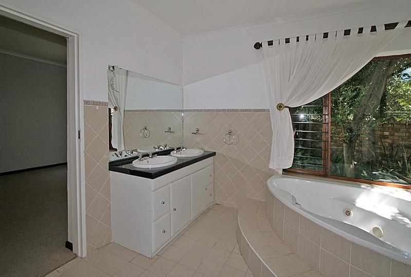 Property For Rent in Hurlingham Manor, Sandton 5