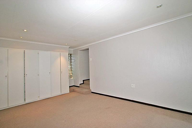 Property For Rent in Hurlingham Manor, Sandton 6
