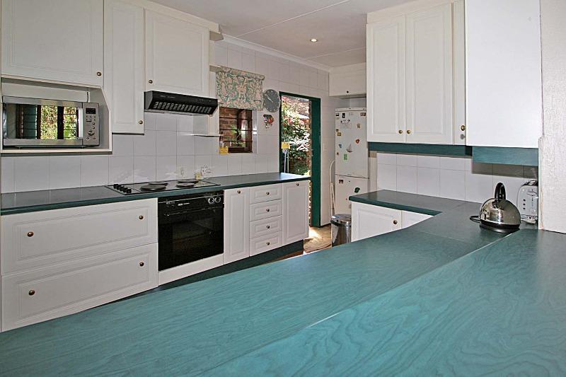 Property For Rent in Hurlingham Manor, Sandton 12