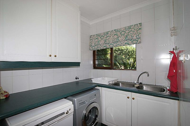 Property For Rent in Hurlingham Manor, Sandton 14