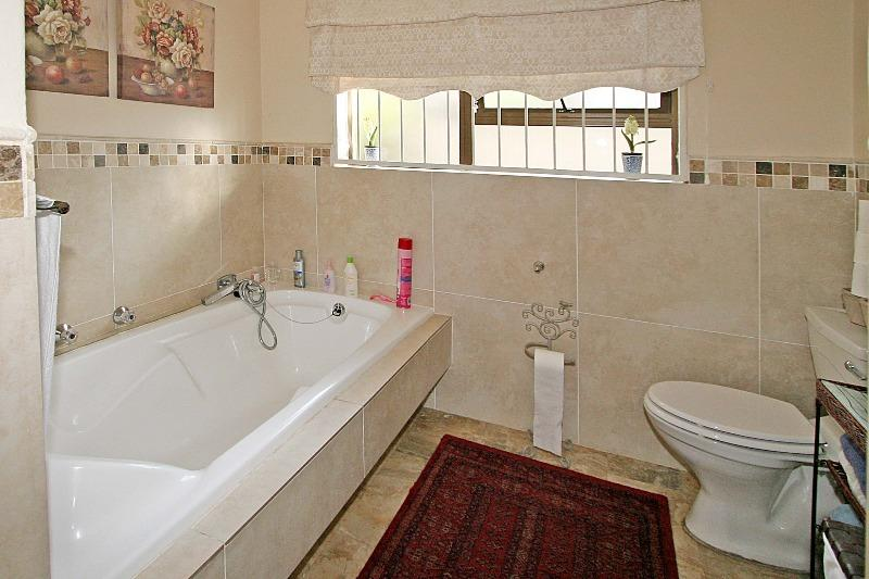 Property For Sale in Bryanston, Sandton 11