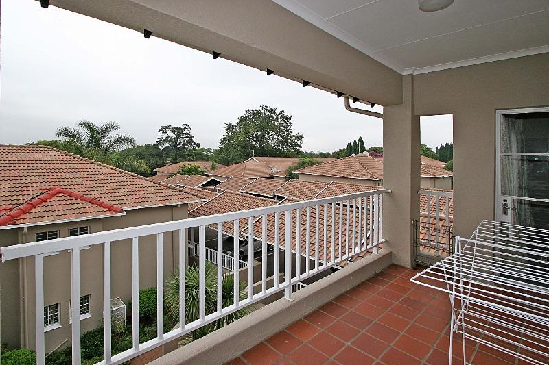 Property For Rent in Houghton Estate, Johannesburg 9