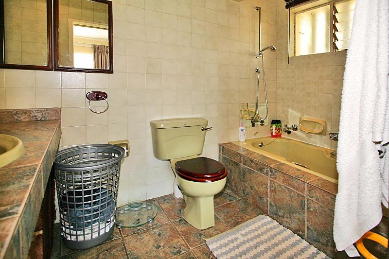 Property For Sale in Magaliessig, Sandton 5